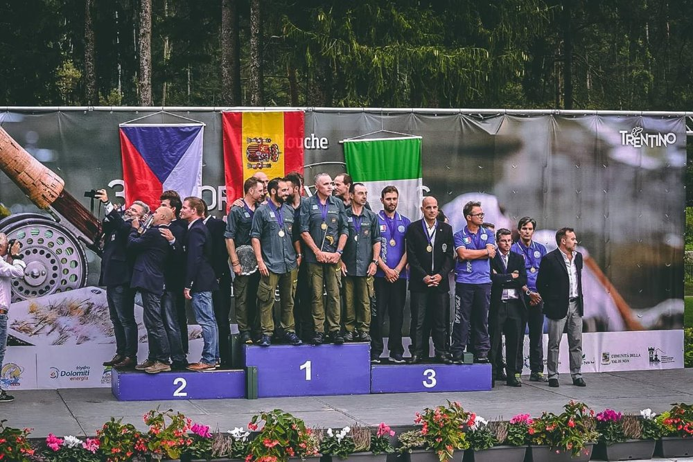 07 On the podium winners 2018